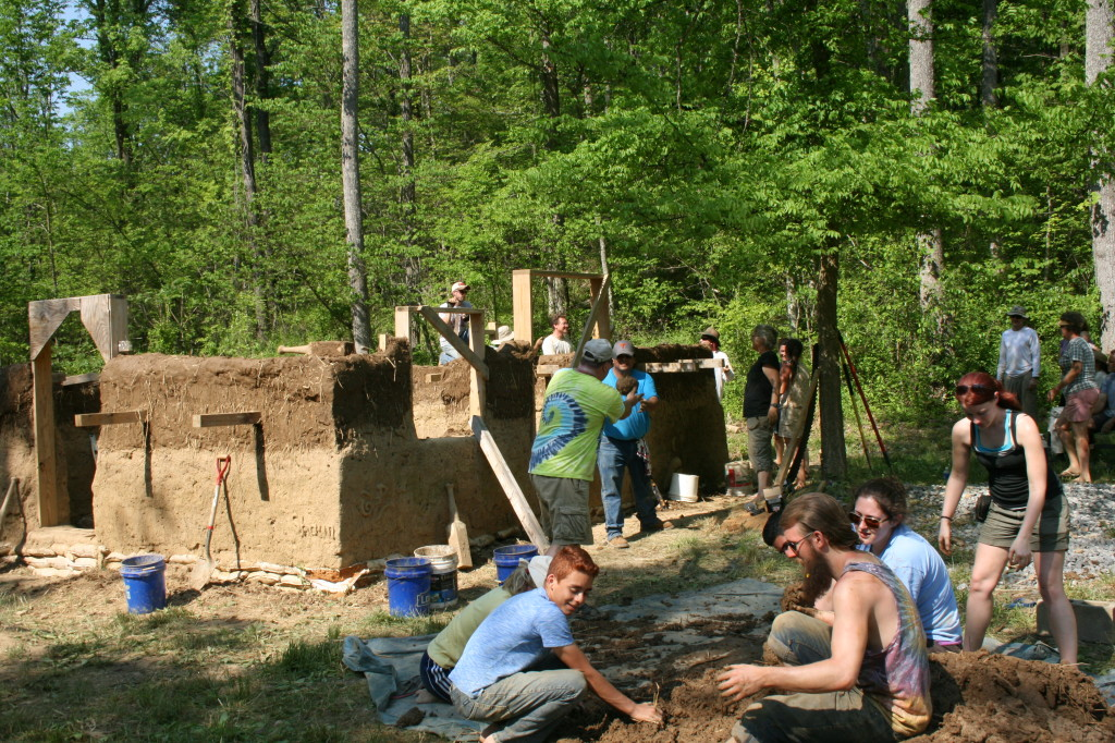 Introduction to cob workshop parrottsville tennessee august 2015 after this workshop you will have the basic know how and confidence to design and build your own simple cob constructions or cob building fandeluxe Gallery